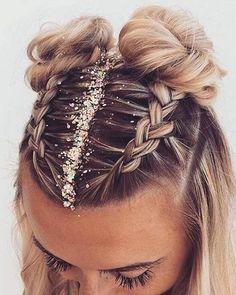 36 Pretty Chic Braided Hairstyles For Every Hair Type braids;easy braids… 36 Pretty Chic Braided Hairstyles For Every Hair Type braids; Medium Hair Styles, Curly Hair Styles, Natural Hair Styles, Hair Styles With Dresses, Box Braids Hairstyles, Cute Hairstyles, Style Hairstyle, School Hairstyles, Hairstyle Short