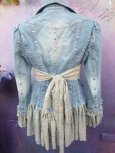 The Easy Coat DIY/Sew Your Own Winter or Spring Coat 2019 denim jacket wildskin denim jacket boho gypsy The post The Easy Coat DIY/Sew Your Own Winter or Spring Coat 2019 appeared first on Denim Diy. Artisanats Denim, Denim And Lace, Altered Couture, Diy Clothing, Sewing Clothes, Remake Clothes, Redo Clothes, Gypsy Clothing, Boho Gypsy