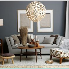what colors go with grey blue walls