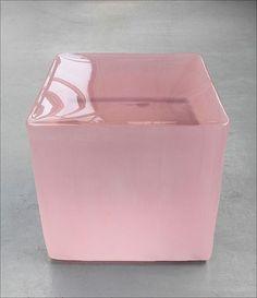 Roni Horn's pink tons at Tate Modern. Tate Modern Gallery, Modern Art, Contemporary Art, Contemporary Sculpture, Pantone 2016, Co Working, Art Moderne, Art Object, Art Plastique