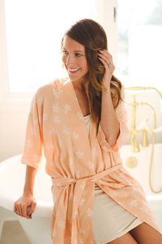 Robe pattern - just what I need! Make a one-size-fits-most bathrobe using this free sewing pattern and tutorial by sewbon.com