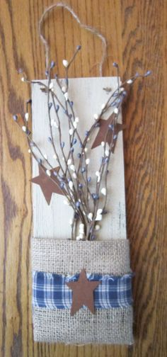 Primitive burlap and pip berry wall hanger. I can make this!