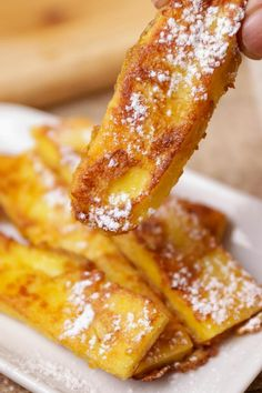 BEST Keto French Toast Sticks – Low Carb Keto French Toast Recipe – 90 Second Microwave Bread For Easy Ketogenic Diet French Toast Simple Food Recipes, Food Recipes Homemade Toast Pizza, Quick Keto Breakfast, Breakfast Recipes, Breakfast Ideas, Breakfast Cafe, Dinner Recipes, Low Carb Keto, Low Carb Recipes, Healthy Recipes