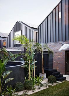 Ronnie and Georgia included a circular Plunge pool in their backyard from Australian Plunge Pools. Ronnie and Georgia included a circular Plunge pool in their backyard from Australian Plunge Pools. Luxury Swimming Pools, Swimming Pool Designs, Pergola Designs, Pergola Kits, Pergola Roof, Pergola Ideas, Patio Ideas, Stock Tank Pool, Pool Fashion