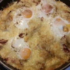 Η αυγό-πατατόπιτα που ξετρέλανε το διαδίκτυο!   modernmoms Cheeseburger Chowder, Eggs, Cooking Recipes, Potatoes, Breakfast, Food, Morning Coffee, Chef Recipes, Potato