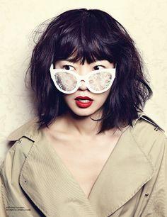 white lace glasses. chic.