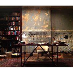 Sherlocks lock room set. Amazing work by production designer Andrew Bernard. [x]