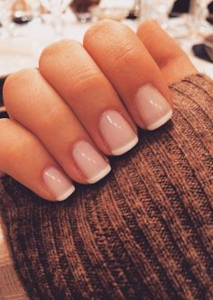 French manicure ♡