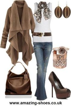 Love this sweater. Great for autumn fashion and style