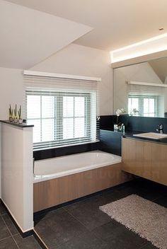 Badkamer grijs/wit/hout | For the Home | Pinterest | Toilet ...