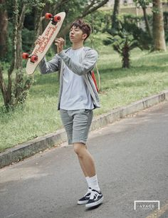 Summer may be almost over but that doesn't mean fans can stop admiring the sculpted body of the handsome model-turned-actor Nam Joo Hyuk. Korean Star, Korean Men, Korean Actors, Lee Hyun Woo, Lee Sung Kyung, Asian Boys, Asian Men, Jong Hyuk, Kdrama