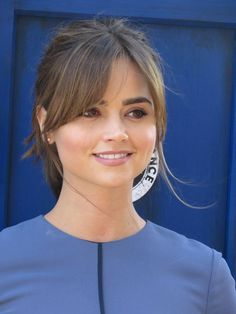 10 Best Hairstyles Ideas for Shoulder Length Hair Hair Bangs length hair bangs 20 Flattering Side Bangs Hairstyles Trending in 2019 - Style My Hairs Side Bangs Hairstyles, Pretty Hairstyles, Long Face Hairstyles, Popular Hairstyles, Jenna Coleman Haircut, Jenna Coleman Hair Short, Jenna Coleman Style, Medium Hair Styles, Curly Hair Styles