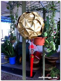I made some beautiful ball lanterns and many have requested for me to share the steps here. Gold Ball Lantern Red Ball Lantern I found it very difficult to explain it with pictures but I found this...