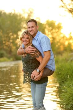 "Heartwarming Photo of Wife Carrying Double-Amputee Marine Husband Goes Viral - Jesse, 28, lost both of his legs in Afghanistan in 2009 after stepping on an IED, which was all caught on video by a fellow marine wearing a helmet camera. The footage was even used in a documentary about Jesse called ""Coming Home.""   08/27/13"