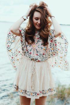 Women fashion Over 50 Fifty Not Frumpy White Shirts - Women fashion Over 50 Fifty Not Frumpy 2019 - - Women fashion Classy Office Wear - Women fashion Winter Dresses - Women fashion Boho Crop Tops Indian Fashion Dresses, Girls Fashion Clothes, Indian Designer Outfits, Designer Dresses, Hippie Style, Looks Hippie, Floral Dress Outfits, Boho Outfits, Fashion Outfits