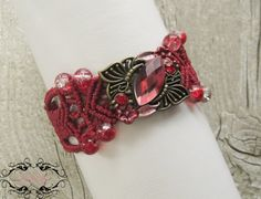 Macrame Bracelet in red and gold by byMiSt on Etsy