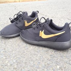 Custom Nike Roshe Run Black & Gold by customsxcario on Etsy