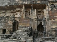 Jain Temple and Rock Sculptures of Gwalior Fort (2)