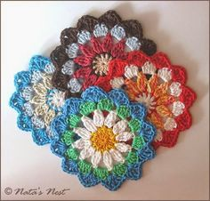 Natas Nest: Mandala Flower Coaster - Free Crochet Pattern in English and German.