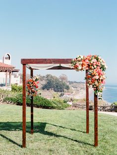 Pink and peach. Laloudi Design. Photography: Michael + Anna Costa Photography - michaelandannacosta.com