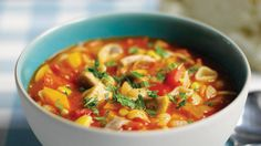 Vegetable Pasta Soup - A delicious & healthy soup that's ready in a few mins! Crock Pot Slow Cooker, Crock Pot Cooking, Crockpot Dishes, Slow Cooker Recipes, Crockpot Recipes, Cooking Recipes, Unislim Recipes, Gazpacho, Chicken Pasta Soup Recipe