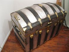 Vintage Silver Leaf Dome Top Trunk/ Steamer