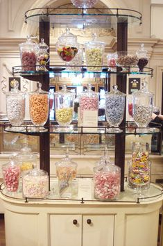 candy display in the Fortnum Mason ~ photo by Such Pretty Things Store Concept, Cute Store, Candy Display, Cupcake Shops, Fortnum And Mason, Vintage Candy, Chocolate Shop, Pastry Shop, Colorful Candy