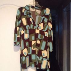 COCOMO Blouse Beautiful colors very flattering! vneck tie back stretch blouse. Cocomo Tops Blouses