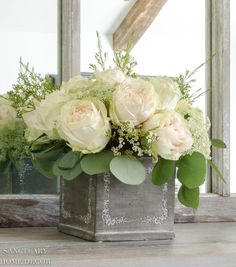 Make This Floral Arrangement in 3 Easy Steps! 2019 Make This Floral Arrangement in 3 Easy Steps! Sanctuary Home Decor The post Make This Floral Arrangement in 3 Easy Steps! 2019 appeared first on Floral Decor. Rosen Arrangements, Artificial Floral Arrangements, Beautiful Flower Arrangements, Wedding Flower Arrangements, Love Flowers, Silk Flowers, Beautiful Flowers, White Floral Arrangements, Cake Toppers