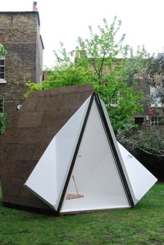 Another one of my favourites from Clerkenwell Design Week and not to be missed. British architect Innovation Imperative has teamed up with Weproductise… Building Systems, Building Design, Small Coffee Shop, Kiosk Design, Digital Fabrication, Garden Spaces, Outdoor Gear, Tiny House, Tent