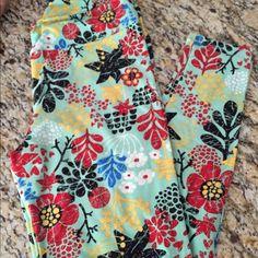 New LuLaRoe Leggings - TC, Mint Floral Super cute, brand new LuLaRoe Tall and Curvy Leggings! LuLaRoe Pants Leggings