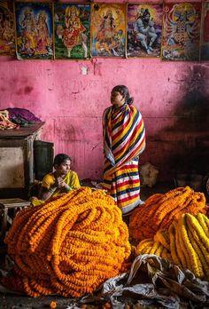 Marigold flower sellers
