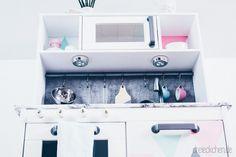 Kinderzimmer mit Kinderkueche in pastell mint und rosa
