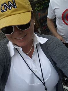 Check out CNN Chris Morrow Morrow looking so stylish in the Classic Style Classic Style, Cool Outfits, Baseball Hats, Stylish, Check, Clothes, Fashion, Outfits, Moda