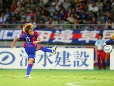 [ J2:第27節 F東京 vs 京都 ] ルーカスのゴールで同点に追いついたF東京は36分、椋原健太(写真)のJ初ゴールで逆転。1点をリードして前半を折り返した。  2011年9月11日(日):味の素スタジアム