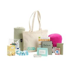 Giving Comfort provides amazing care kits for cancer patients! Read all about them and how you can purchase them for your loved ones. @Linda Riehle Comfort #spon