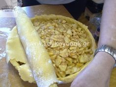 ΑΜΕΡΙΚΑΝΙΚΗ ΜΗΛΟΠΙΤΑ – Koykoycook Apple Pie, Food And Drink, Cheese, Apple Cakes, Sweet, Recipes, Apples, Crafts, Candy
