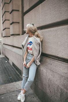 Lleva las t'shirts más cool en tus looks diarios                              …