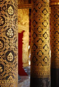 Beautiful patterns at Wat Mai temple, Louang Phabang, Laos - Photo by Vera & Jean-Christophe Luang Prabang, Brunei, Timor Oriental, Vietnam, Thai Pattern, Thai Design, Sri Lanka, Thai Art, Thai Thai