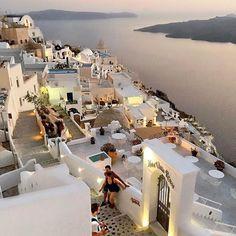 Fira Town, SANTORINI island (Η πόλη των Φηρών στο νησί της Σαντορίνης των Κυκλάδων), CYCLADES islands group - GREECE ⠀⠀  ⠀⠀⠀⠀⠀⠀⠀⠀⠀⠀⠀...