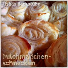 Milchmädchenschnecken Today I have a super easy and fast recipe for you. Russia Food, 5 Ingredient Desserts, Nutella Mug Cake, Diy Snacks, Cooking Cake, Russian Recipes, Cakes And More, Bread Baking, Yummy Cakes