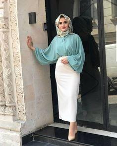 Skirts & Blouses - Hijab Clothing - Home decor Modern Hijab Fashion, Hijab Fashion Inspiration, Islamic Fashion, Muslim Fashion, Hijab Dress, Hijab Outfit, Modele Hijab, Hijab Fashionista, Moda Emo