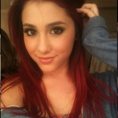 Ariana Grande is an American actress, singer, and dancer. She made her performance debut on Broadway at age Recently, she has gained attention for her role as Cat Valentine on the Nickelodeon sitcom Victorious. Ariana Grande Fotos, Ariana Grande Red Hair, Cabello Ariana Grande, Ariana Grande Pictures, Cat Valentine, Grandes Photos, Applis Photo, Star Wars, Celebrity Gallery