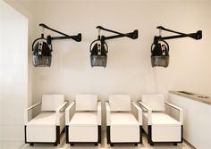 The Triumphs and Pitfalls of Design According to a Architect - News - Modern Salon Design Salon, Beauty Salon Design, Salon Interior Design, Salon Dryers, Beauty Salon Decor, Salon Chairs, Room Chairs, Dining Chairs, Home Salon
