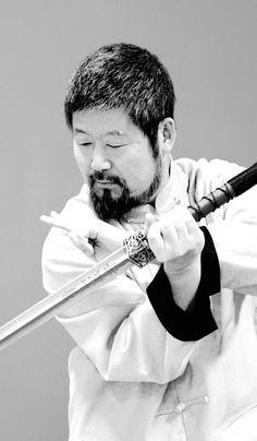 陈中华老师实用拳法剑术英姿。