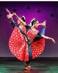Perspective Photography, Dance Photography, Dance It Out, Just Dance, Folk Dance, Dance Art, Indian Dance Costumes, Indian Classical Dance, India Culture