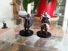 Guerriero del Northland (dx) comparato con una miniatura DnD Miniatures della WotC