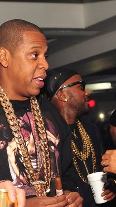 "Jay-z bought the first ever 11lb / 5 kilo Cuban Link Chain ever made – designed by Rafaello & Co., Jay-Z wore this chain at ""So So Def"" 20th Anniversary party. HOV has always been a big fan of the company's work and always the first to get his hands on the newest styles that nobody has seen yet. Rafaello & Co. is proud to provide all the latest in new fashion and styles in jewelry."