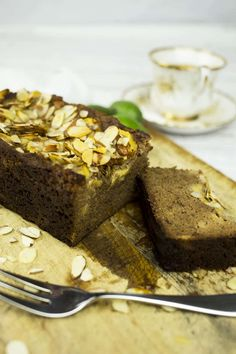 In the mood for baking? This Paleo Banana & Feijoa Loaf sweetened with honey and topped with sliced almonds is the perfect comforting treat to enjoy for morning tea with a cuppa! Gluten Free Recipes, Baking Recipes, Cake Recipes, Dessert Recipes, Desserts, Loaf Recipes, Healthy Baking, Healthy Breads, Healthy Snacks