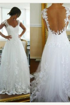 Dream wedding dress, lace, beautiful, amazing, low back if I ever get married I want something like this! Just wow!